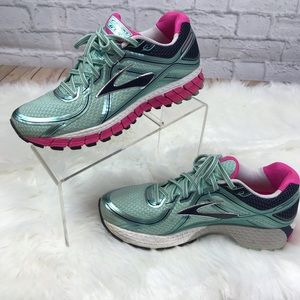 Brooks GTS - 16 Mint/Pink Running Shoes Size 9.5
